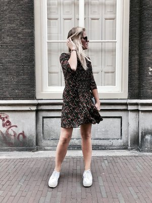 ANOTHER LABEL MACK FLOWER DRESS ZWART