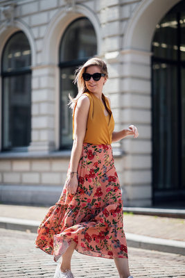 SOFIE SCHNOOR FLOWER SKIRT